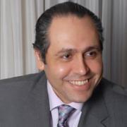 الدكتور ياسر نصر | السيرة الذاتية